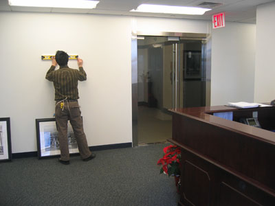 Corporate picture installation